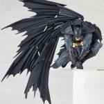 FIGM191-Batman-Revoltech-009-5.jpg