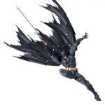 FIGM191-Batman-Revoltech-009-7.jpg