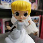 FIG147 – Cinderella – Q Posket Dream Style – Ao Trang de den (5)